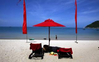 beware of holiday adverts that attribute value to nonexistent savings