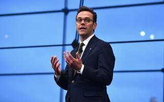 """There are no good Nazis"": James Murdoch blasts Trump on Charlottesville"