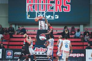 Leicester Riders sign forward Shane Walker for another season