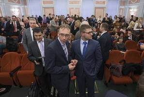 russia bans jehovah's witnesses' translation of bible