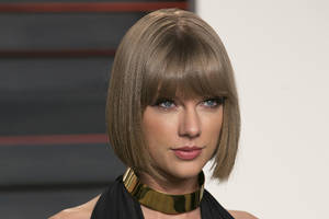 Taylor Swift Goes Blank on Social Media, Sending Fans Into Frenzy