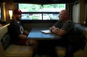 on the bus: jay glazer 1-on1 with kirk cousins