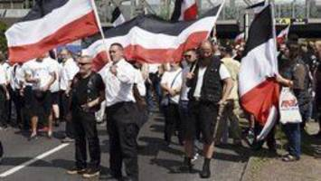 police separate 500 neo-nazis, opponents at berlin protest