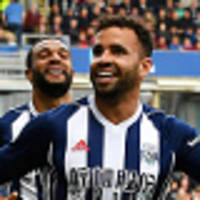 robson-kanu gets winner, then red card
