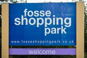 you can apply for these jobs at fosse park today - including mcdonald's, river island and pandora