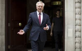 davis to try to seize control of brexit negotiation with flurry of papers