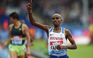 farah rediscovers winning touch in british track farewell