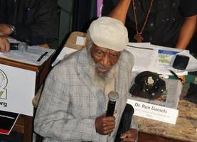 Comedian, civil rights activist Dick Gregory, dies at age 84