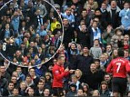 rooney taunts man city fans after scoring for everton