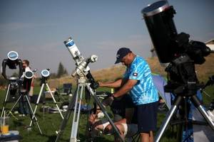 eclipse-chasers came out in droves to watch the solar eclipse across the us — take a look