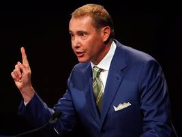 gundlach fires back at report saying investors are fleeing his biggest fund