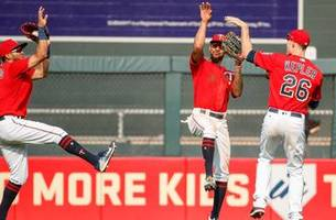 schedule favors twins as playoff fight continues