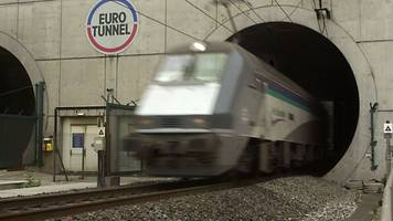 man held at channel tunnel 22 years after prison escape