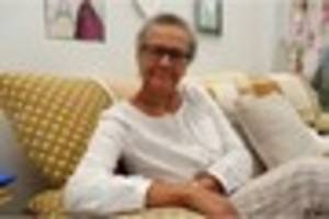 How calling Macmillan Cancer Support helped Gloria cope