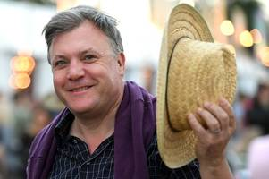 ed balls gets invited to radiohead concert after glastonbury outburst