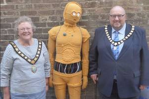 star wars themed yarn bombing has taken over taunton - this is why