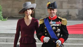 danish crown prince frederik 'denied entry to australian pub'