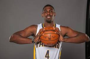 pacers sign ex-kentucky star poythress to two-way contract