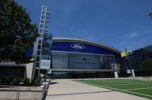 Cowboys entertain fans with 1st camp practice at home base