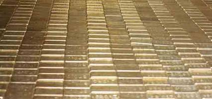 mnuchin visits fort knox, says gold is safe