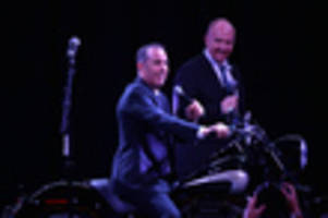 jerry seinfeld diving into his archives for new netflix special