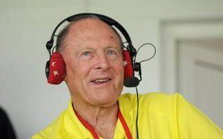 geoffrey boycott apologises for alleged racist comment