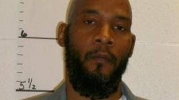 Marcellus Williams: Missouri governor stays execution