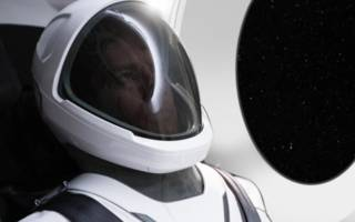 to instagram and beyond: elon musk shows off first spacex spacesuit