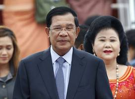cambodia threatens to expel critical media outlets and us pro-democracy charity
