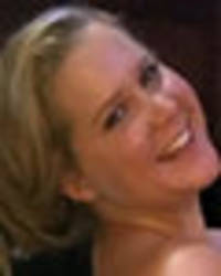 topless amy schumer uses puppy to shield bugling assets