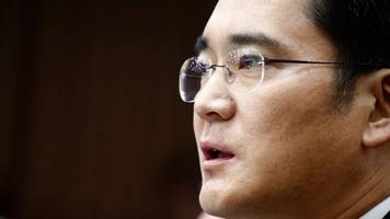 samsung heir gets a 5-year prison sentence for corruption