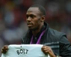 usain bolt gets over-excited at old trafford as sprint star meets man united legends