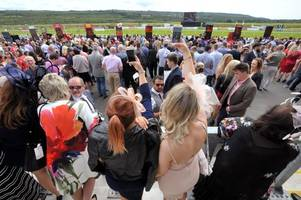 two hour queues at the bar claim as hundreds vent anger over ladies day at welsh racecourse