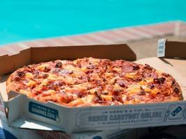 domino's is testing a self-driving car to deliver pizza — but there's a catch (dpz, f)