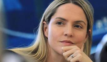 fake news exposed: louise mensch duped by hoaxer