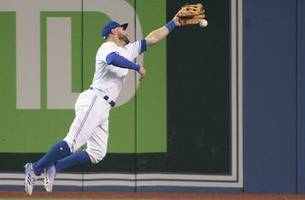 toronto's kevin pillar makes a fantastic, 4-star diving catch
