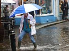 devon and cornwall hit by floods with foot of rain falling