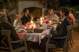 'home again' review: reese witherspoon plays goldilocks to three bores
