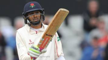 lancashire v essex: haseeb hameed holds up leaders with gritty half-century