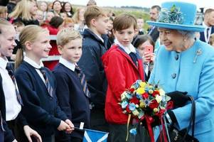 west lothian primary pupils meet the queen at opening after penning song about the new bridge