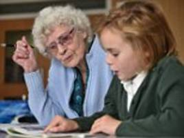 britain's oldest teacher still teaching youngsters at 89