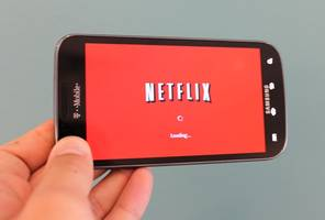 t-mobile adds free netflix to take on rivals (tmus, nflx)
