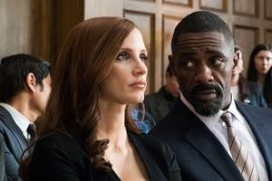 molly's game is proof that aaron sorkin directs exactly like he writes