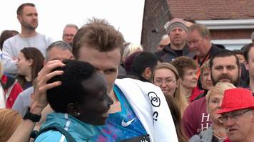 great north run: runner proposes after finishing second to mo farah
