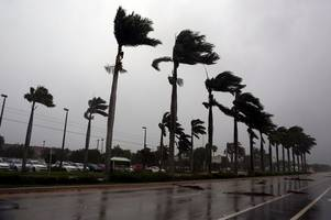 hurricane irma death toll rises to three in florida as eye of deadly storm batters u.s state's west coast