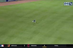 WATCH: Kevin Kiermaier makes two stellar grabs in the 5th