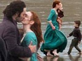 poldark and demelza kiss during series 4 filming