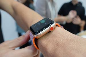 Up close with the new LTE-enabled Apple Watch