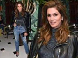 cindy crawford launches her denim collection at nyfw