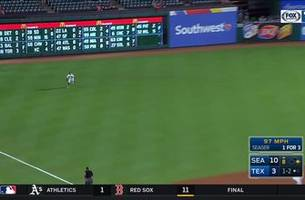 WATCH: Willie Calhoun makes a diving catch in 8th inning vs. Seattle